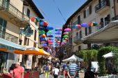 Ombrelli in via Umberto I  - due