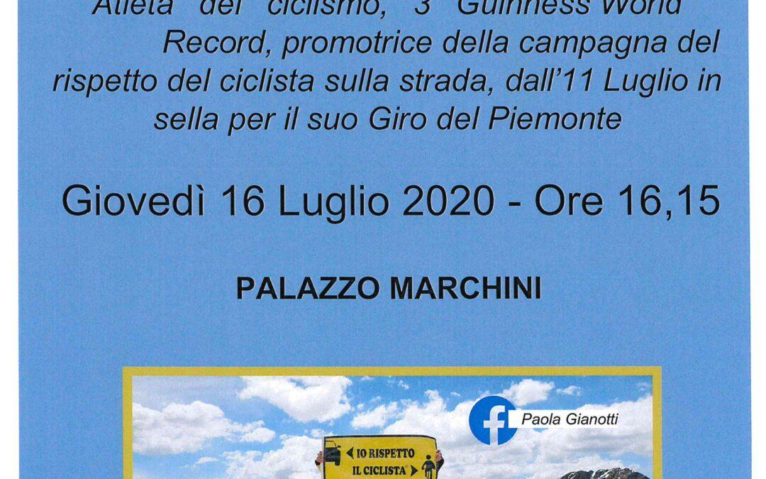 Paola Gianotti a Giaveno  per la  campagna di rispetto  della  distanza dai ciclisti su strada – Giovedì 16 luglio 2020